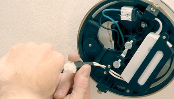 EnergieVeilig | Klussen (lamp ophangen) | Stap 8/11